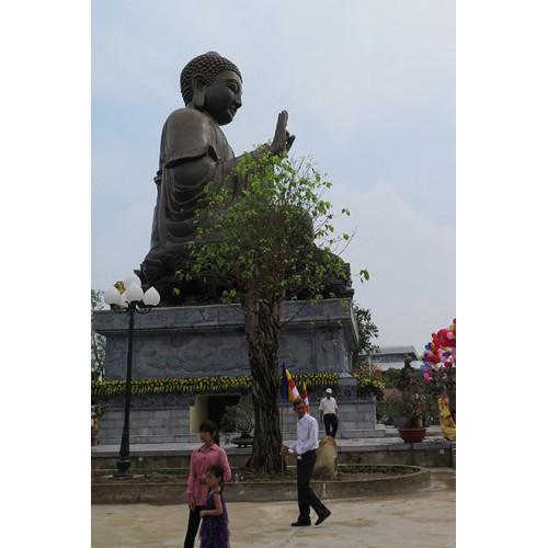 Chiêm ngưỡng tượng Phật bằng đồng lớn nhất Việt Nam tại trúc lâm thiên trường